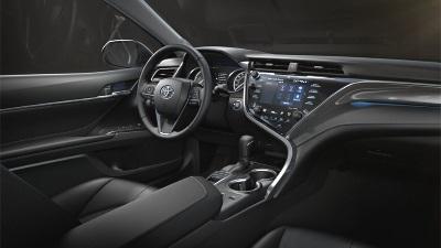 Toyota Camry 2017, салон, торпедо