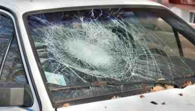 вылетел через лобовое, удар о лобовое стекло, разбить голову о лобовое